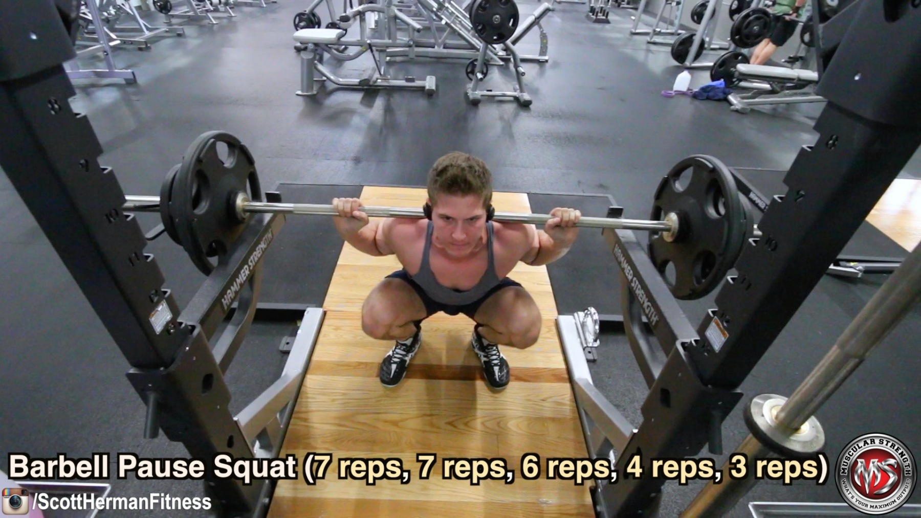 barbell-pause-squat